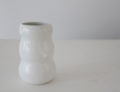 CAROLINE EARLEY CERAMIC VASE
